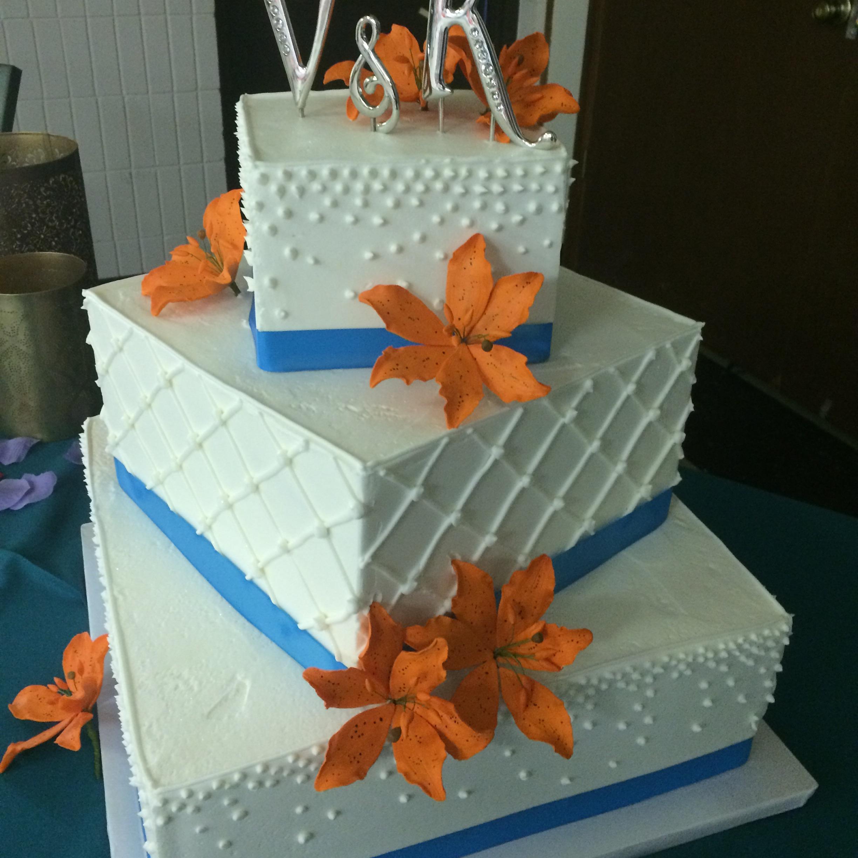 square orange – Ms. Laura\'s Cakes